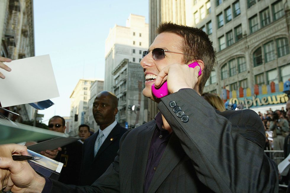 tom cruise flip phone